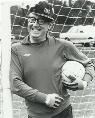 Bob-at-the-Old-Wilsonians-FC-Picture-courtesy-of-13.jpg