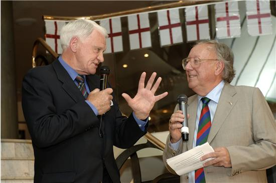 Bob-with-his-much-missed-friend-Sir-Bobby-Robson-13.JPG
