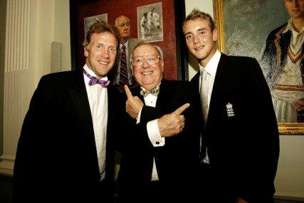 Bob-with-Chris-and-Stuart-Broad.jpg